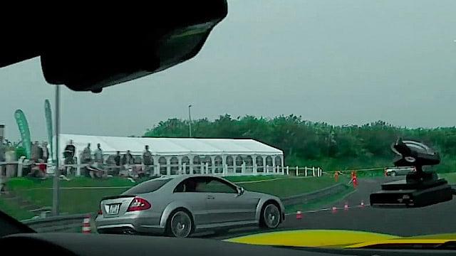 Chevrolet Corvette Z06 vs Mercedes CLK_