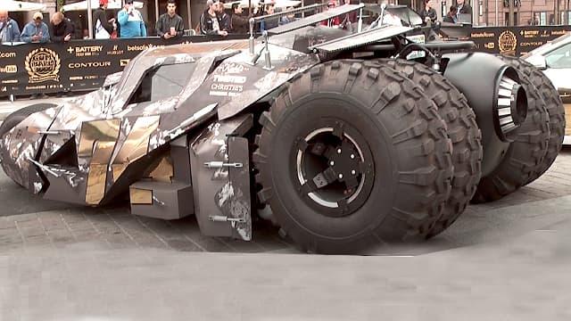 Batmobile Tumbler - GUMBALL 3000
