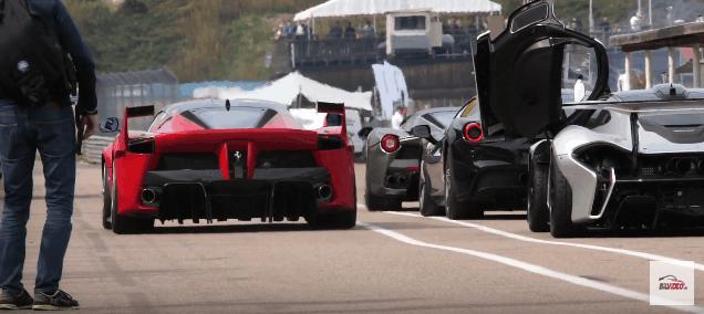 Ferrari FXX K passerer en McLaren P1 GTR og en Ferrari LaFerrari Aperta